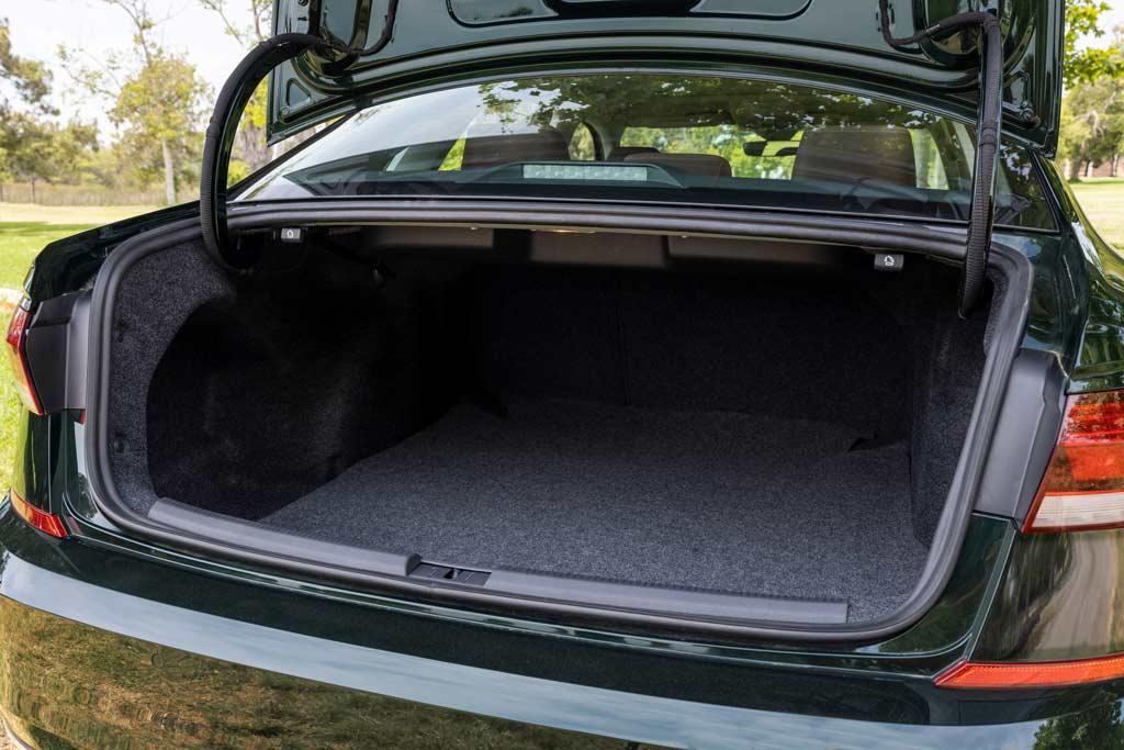 VW Passat прощается с Америкой спецверсией: седан снимают с производства