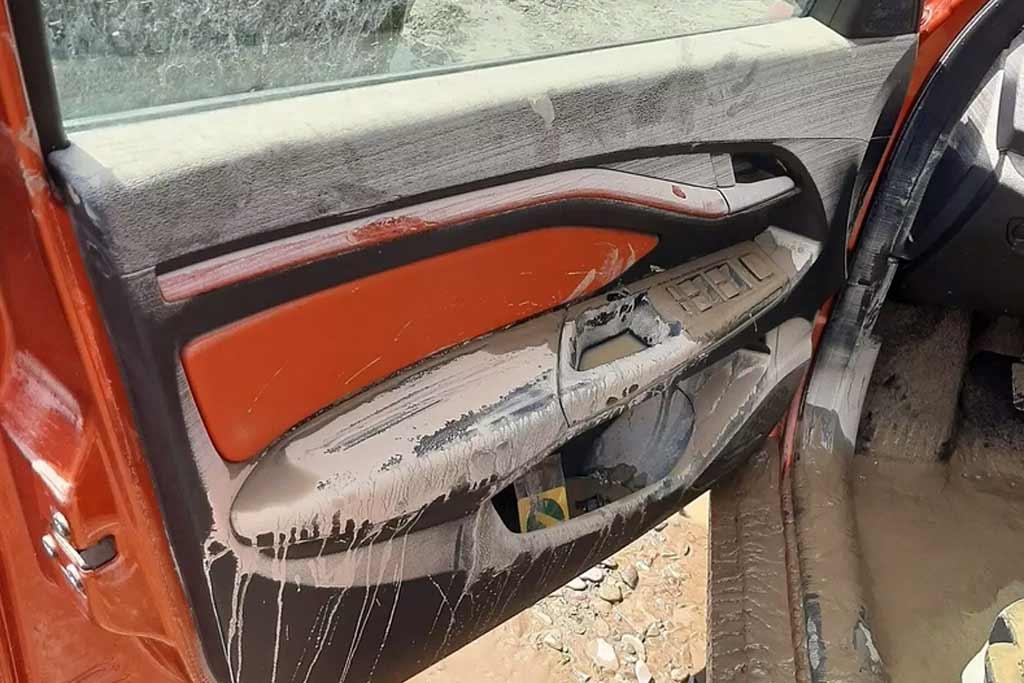 Что стало с Lada Vesta Cross после потопа в Краснодаском крае