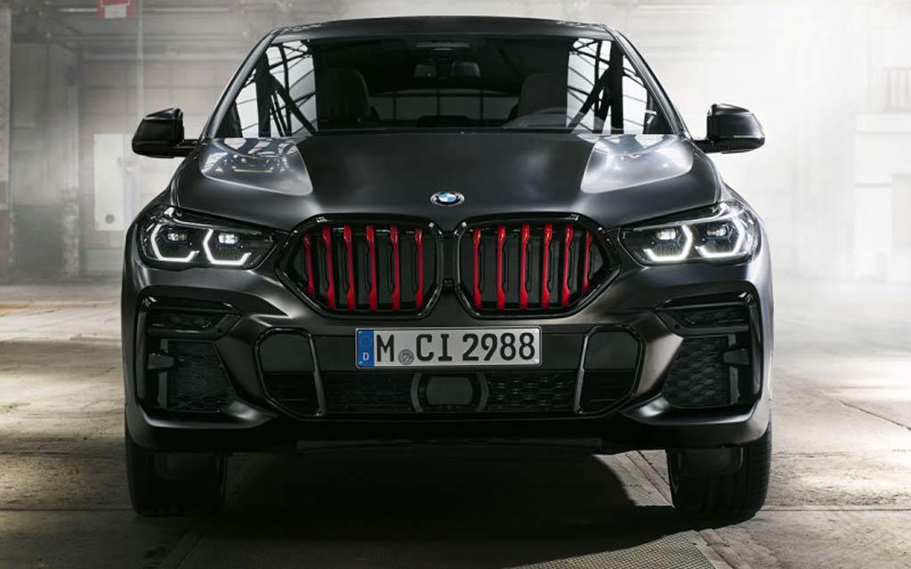 Кроссоверы BMW X5 и X6 получили версию Black Vermilion с красными «ноздрями»