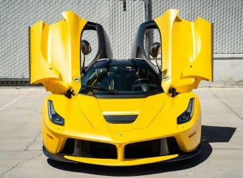 Желтый La Ferrari