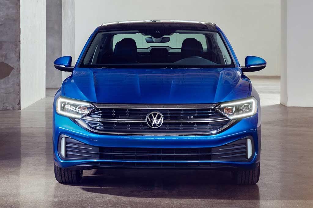 Volkswagen Jetta 2022: обновленный седан не появится в России