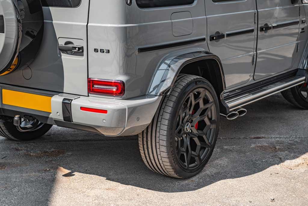 Британцы украсили Mercedes-AMG G63 карбоновым обвесом и колесами на 23″