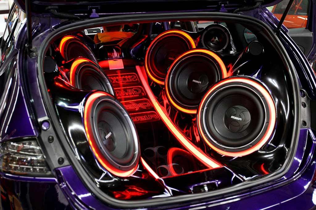 За доработку музыки в автомобиле теперь можно остаться без прав?