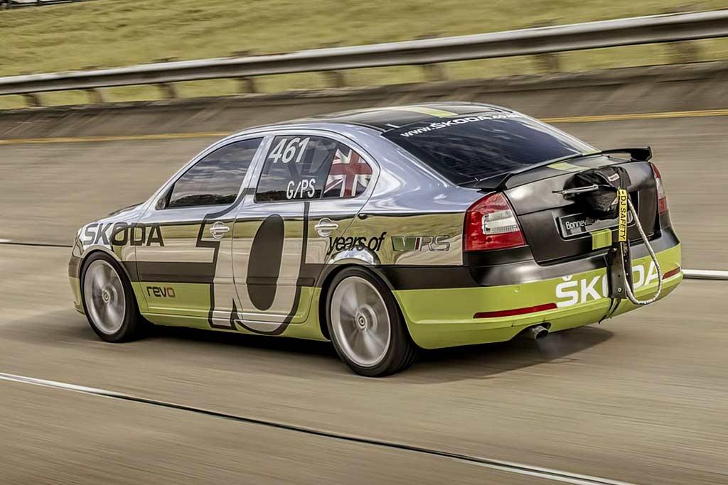 Чехи вспомнили 600-сильную Skoda Octavia RS с максималкой 366 км/ч