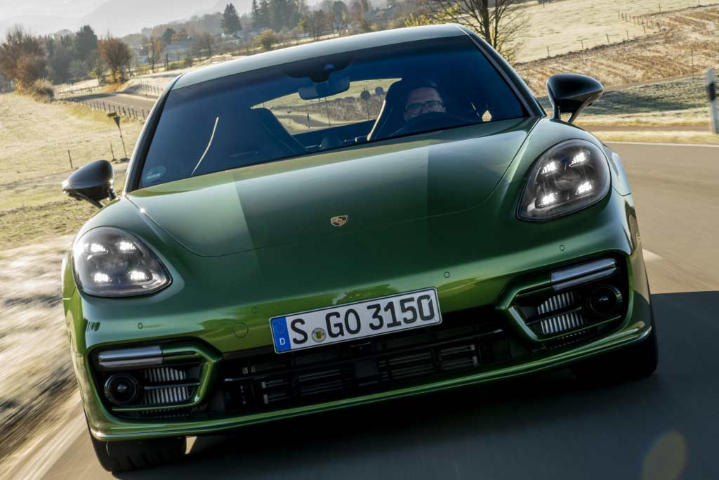 Обзор нового Porsche Panamera 2021: фото и цены, характеристики