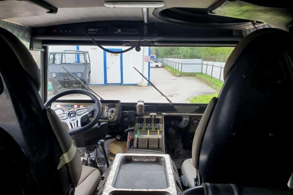 В Москве продают внедорожник Puch Pinzgauer 710K: цена вас не порадует