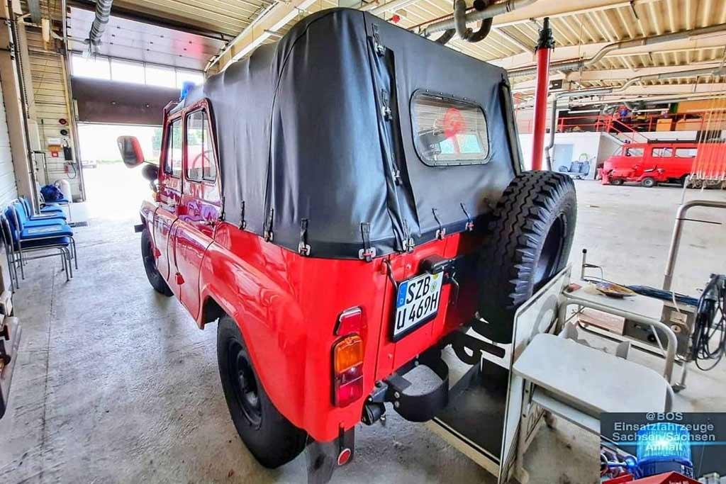 В гараже любителей пожарной техники обнаружен необычный УАЗ-469