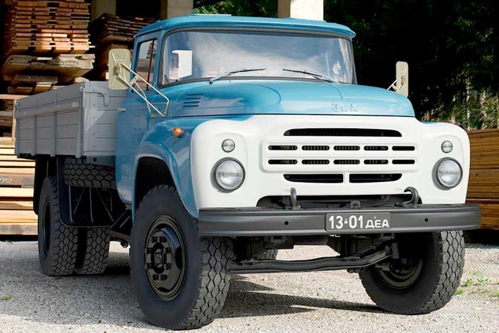 Вспоминаем историю Зил-130: любопытные факты про легендарный советский грузовик