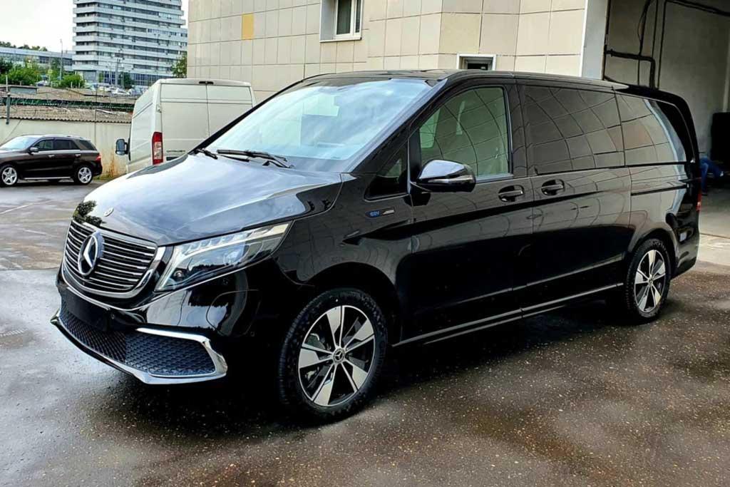 В России продают электрический минивэн Mercedes EQV: пока неофициально
