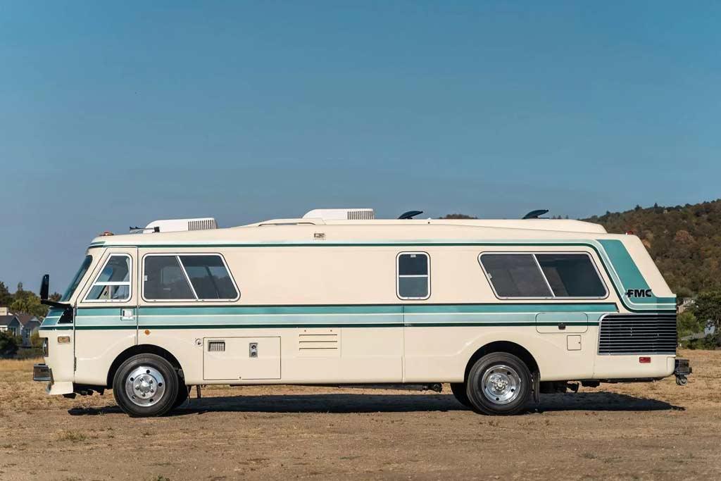 Кемпер FMC 2900R продали за ₽11 млн: это машина из далекого 1976 года