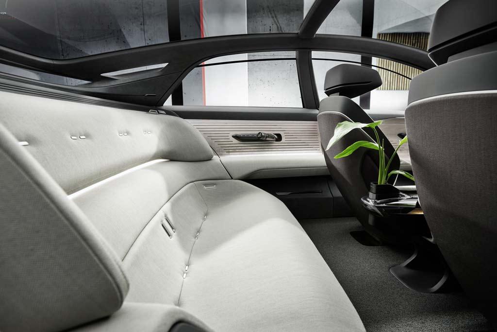 Audi Grandsphere намекнул на вектор развития флагманских моделей бренда