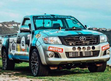 Toyota Hilux V12