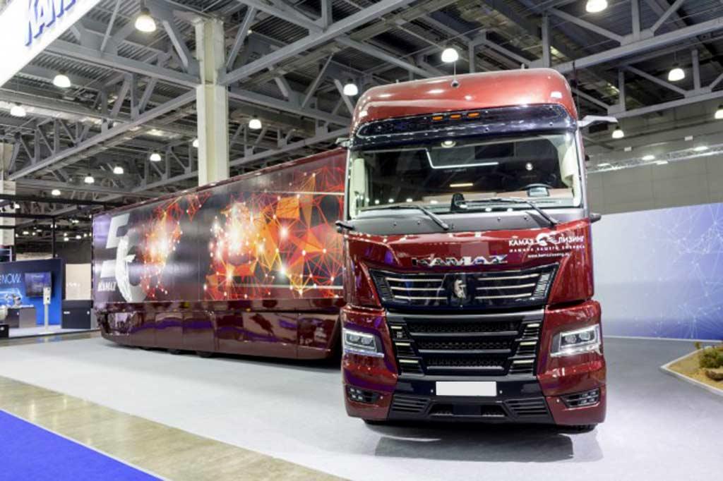 КАМАЗ показал магистральный тягач 54907 «Континент» нового поколения K6