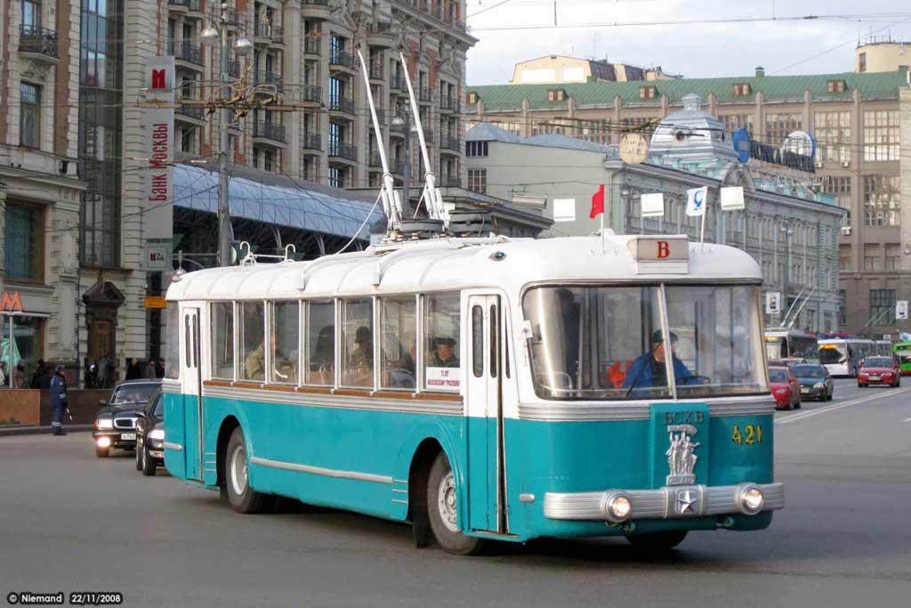 Двухэтажный троллейбус и «красная колбаса»: необычный общественный транспорт СССР