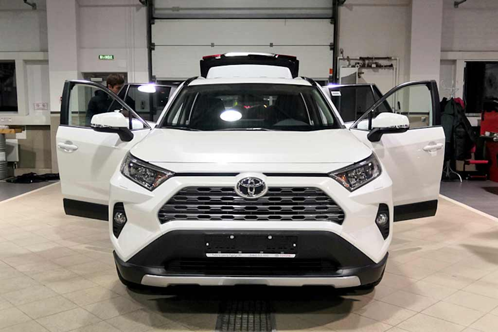 В сервисе разобрали новый Toyota RAV4: так ли хорош популярный кроссовер?