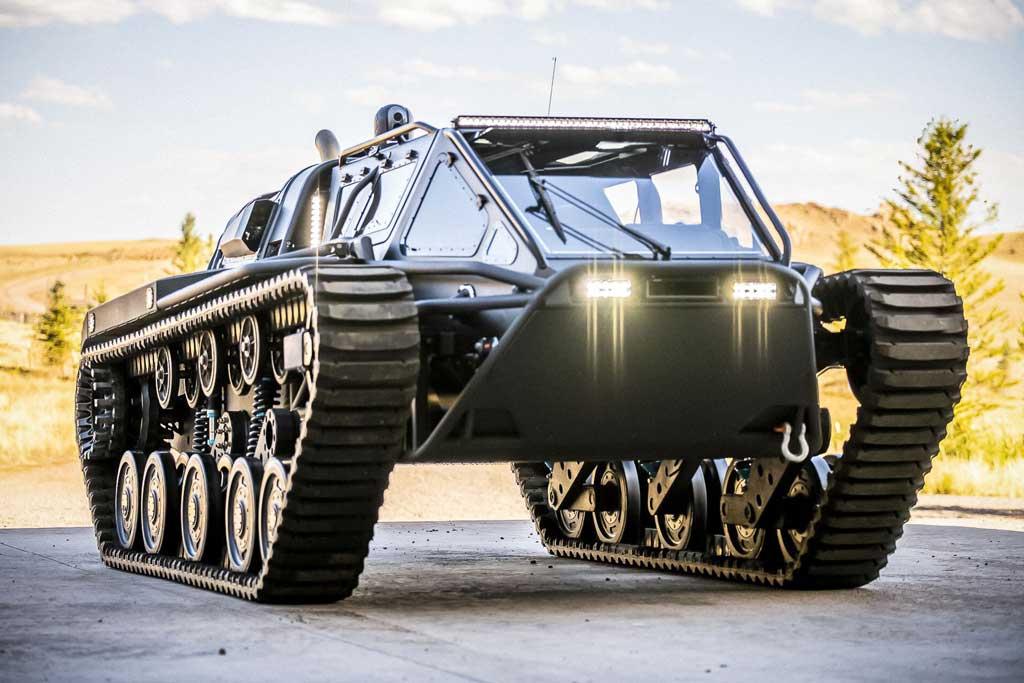 Гусеничный вездеход Ripsaw EV3-F4 с максималкой 100 км/ч продают за ₽31 млн