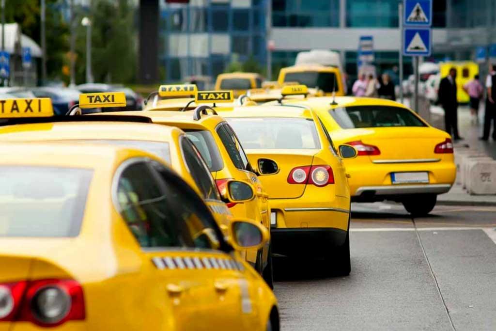 Водителям с судимостью запретят работать в такси и на общественном транспорте