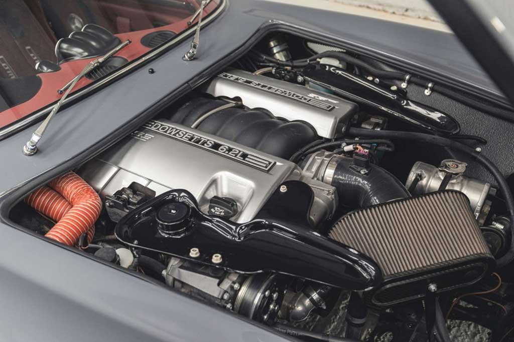 На торги выставлен уникальный ретро-спорткар Dowsetts Comet с мотором LS3 V8