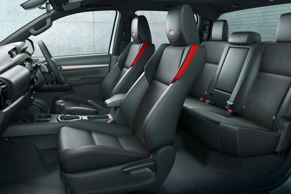 На японском рынке дебютировал «спортивный» пикап Toyota Hilux GR Sport