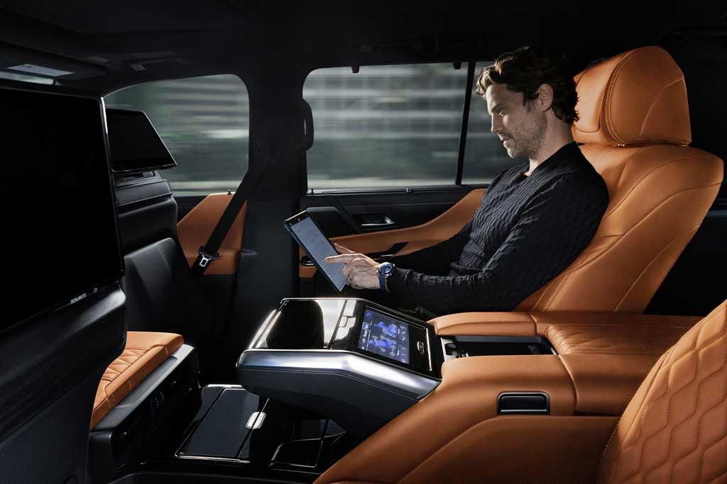 Японцы презентовали внедорожник Lexus LX 2022 нового поколения