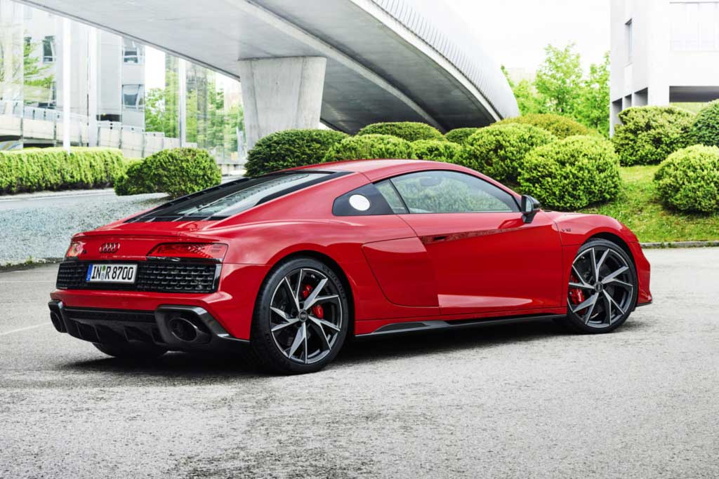 Audi R8 V10 performance RWD: заднеприводный суперкар прибавил в мощности