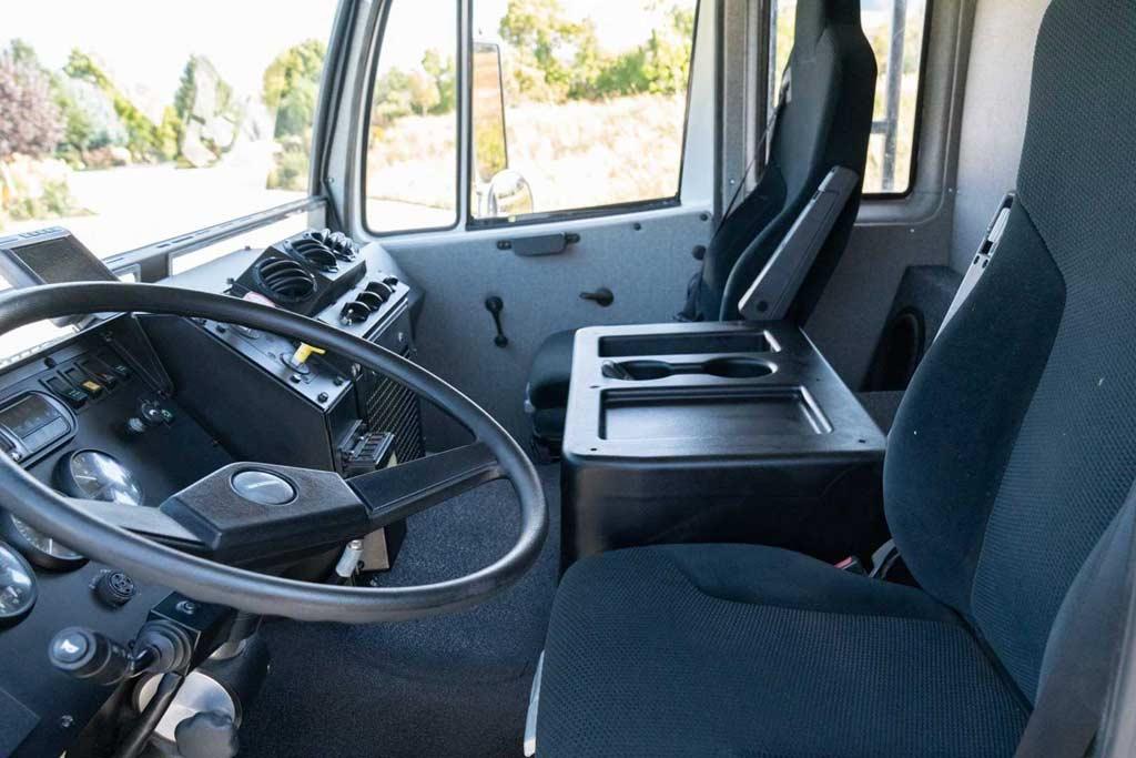 Экстремальный автодом Titan XD 4400 4×4 Camper ушел с молотка за 17,4 млн руб