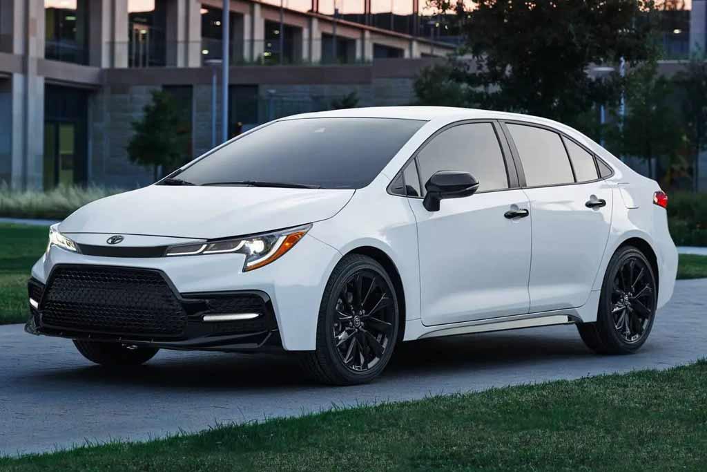 Все Тойоты оказались позади: составлен топ-5 самых продаваемых авто в США