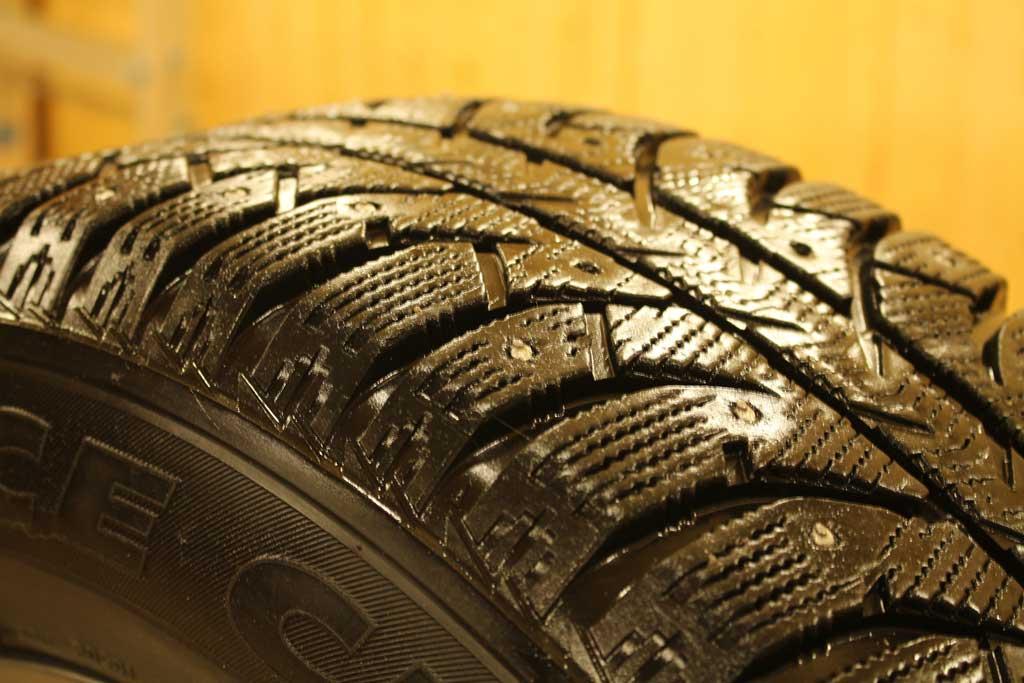 Эксперты назвали топ-5 основных причин потери шипов на зимней резине