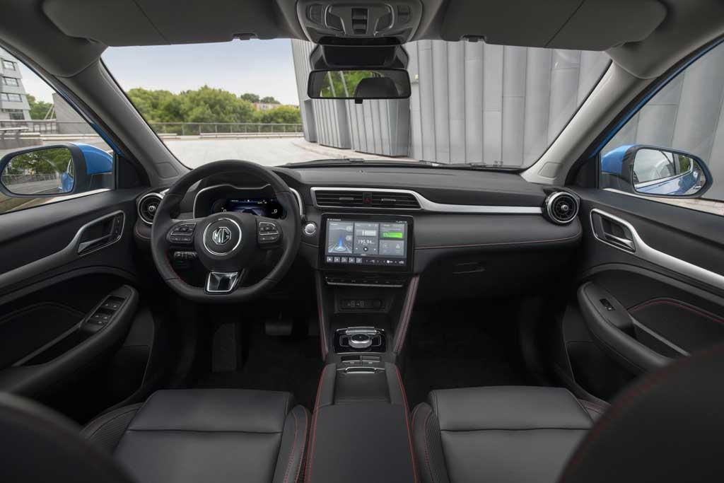 MG ZS EV 2022: европейцы первыми получили обновленный электрический кроссовер