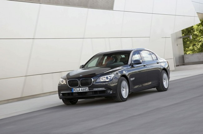 Броневик BMW 7-Series High Security