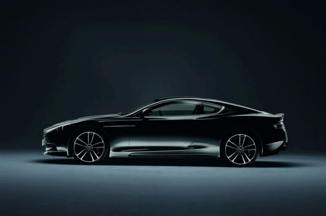 Фото Aston Martin DBS Carbon Black