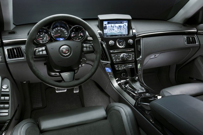 Фото салона Cadillac CTS-V Coupe