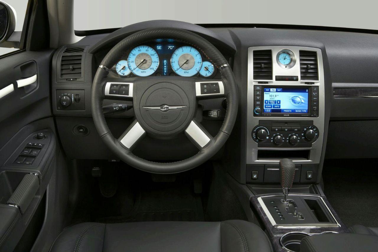 новый крайслер 300с