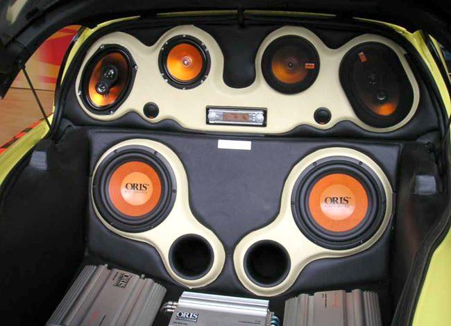 Мощная аудиосистема также является частью авто тюнинга