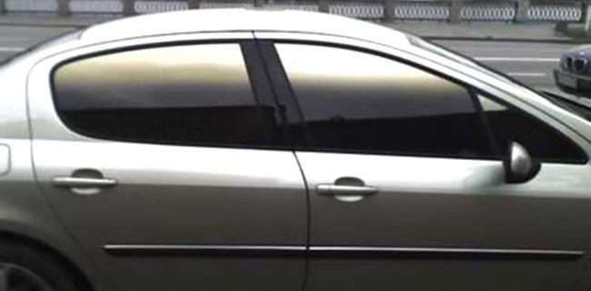 При тюнинге автомобилей важно не переборщить с тонировкой стекол
