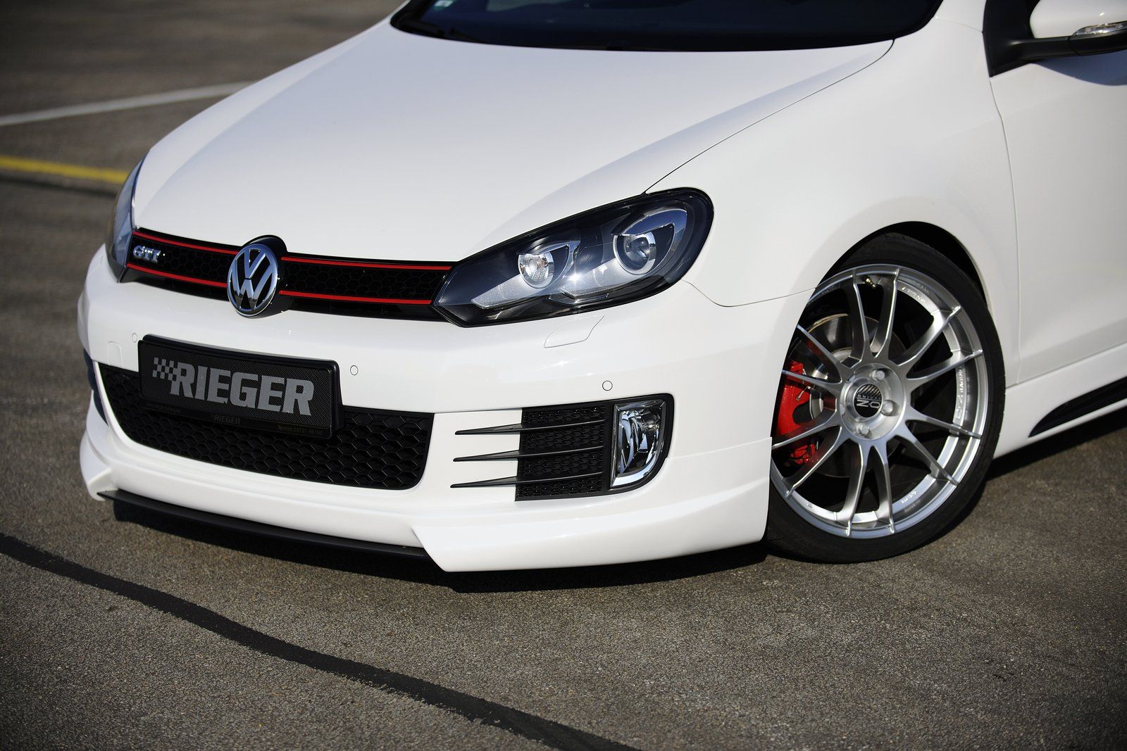 Wallpapers Vw Golf 7 Gti 2012 Pictures to pin on Pinterest