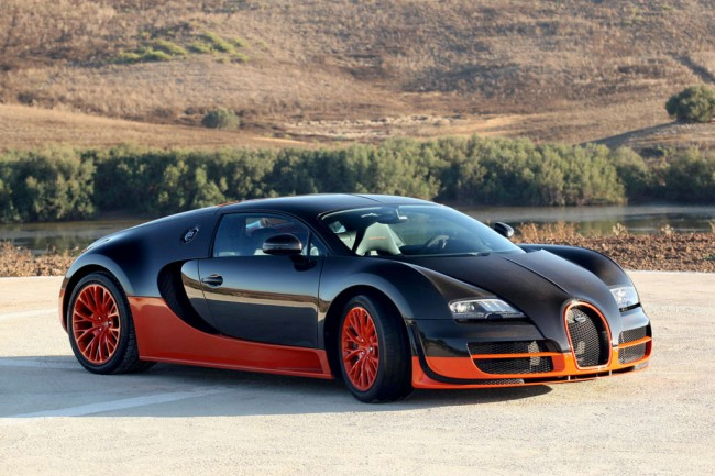 Фото суперкара Bugatti Veyron 16.4 SuperSport