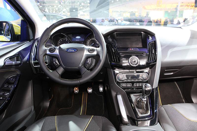 В салоне нового ford focus 3 фото