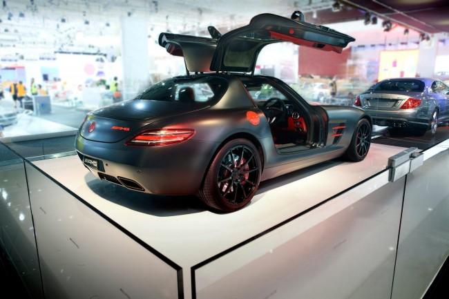 Суперкар Mercedes SLS AMG Night Black