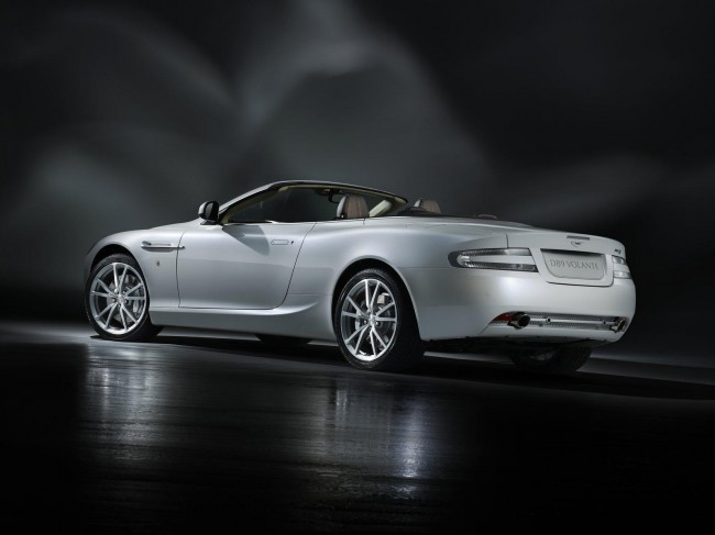Фото Aston Martin DB9 Morning Frost Volante