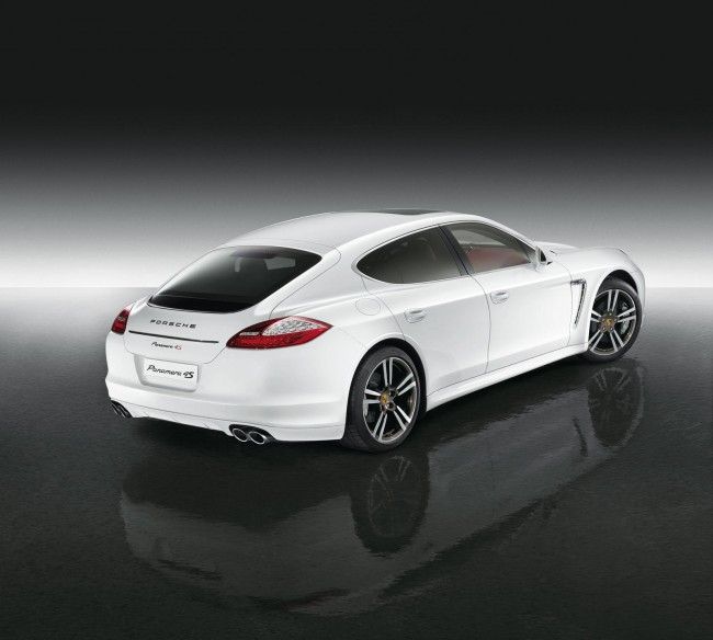 Эксклюзивная Panamera 4S Exclusive Middle East