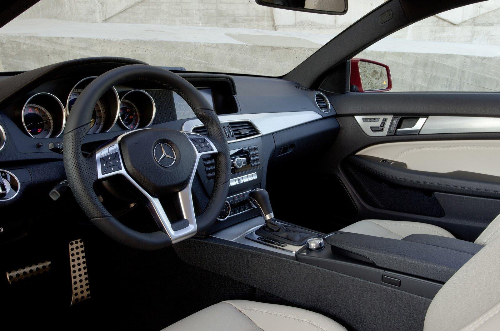 c-class-coupe-2012_03.jpg