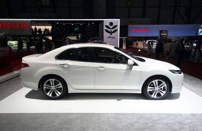 Honda Accord 8 фото