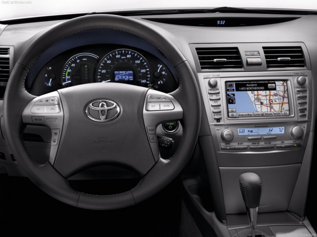 Toyota camry 2010 фото салона