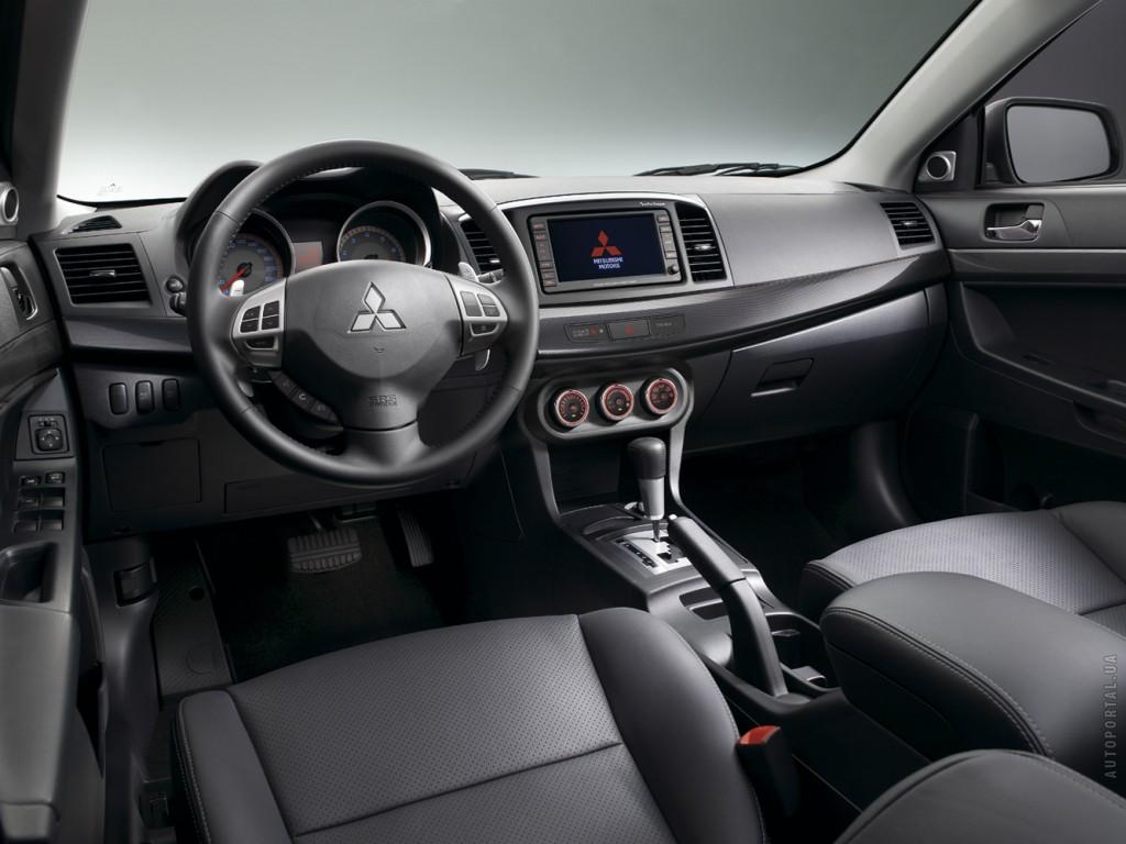 Фотографии автомобилей Mitsubishi La…