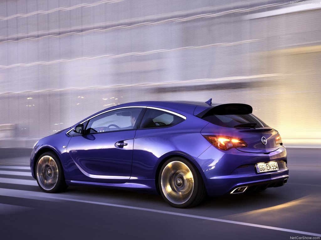 Opel Astra OPC .