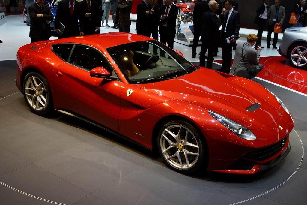 Фото Ferrari F12berlinetta к…