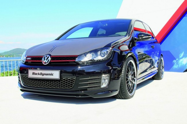 Фото VW Golf GTI Black Dynamic
