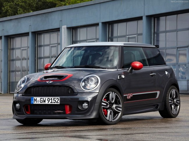Фото MINI John Cooper Works GP