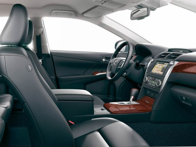 Салон Toyota Camry 2.0